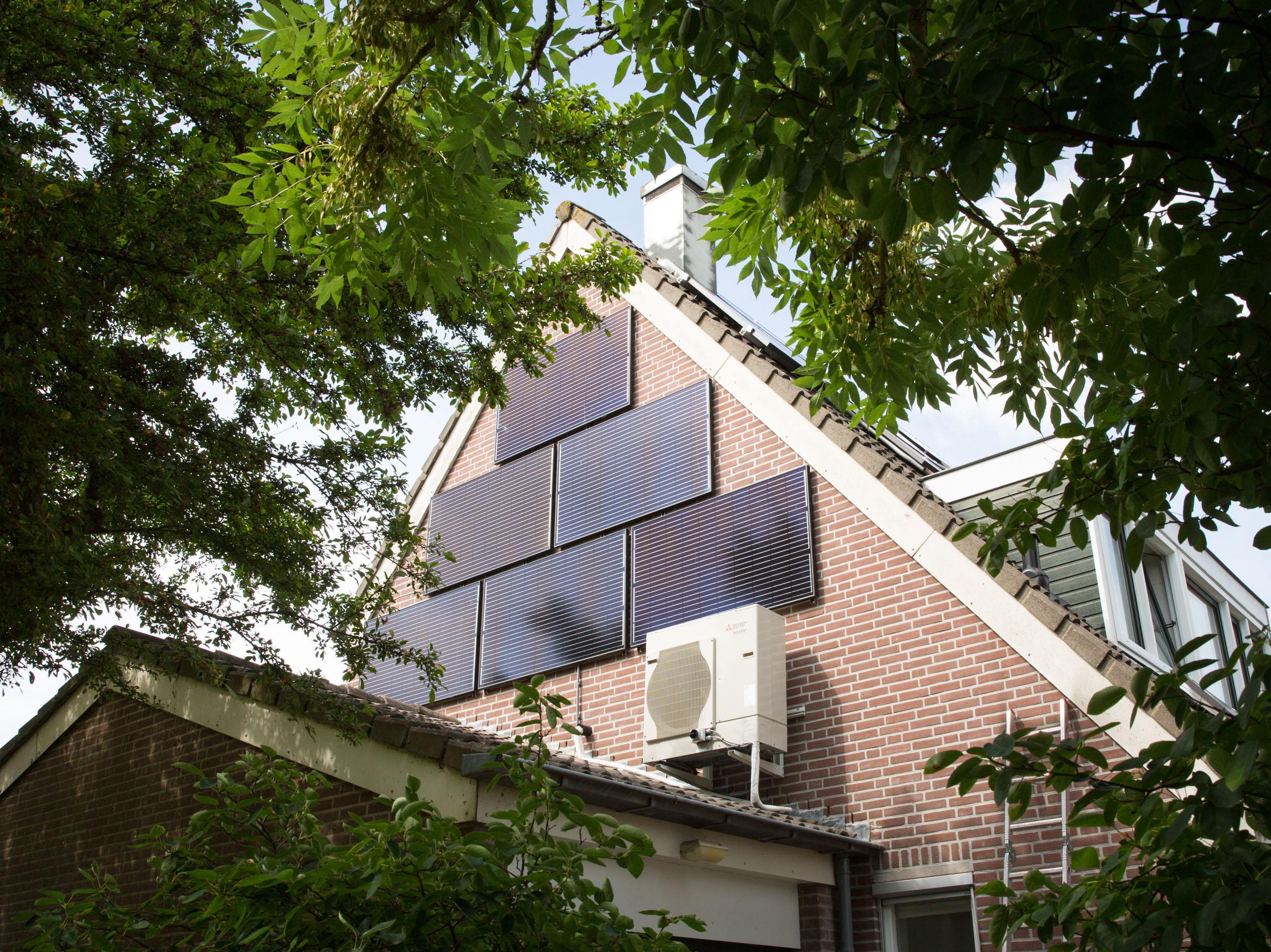 Energieneutraal-huis-woonwijk-wonen-thuisbaas-credit-Chantal-Bekker-GraphicAlert-23-zonnepanelen-dak-1