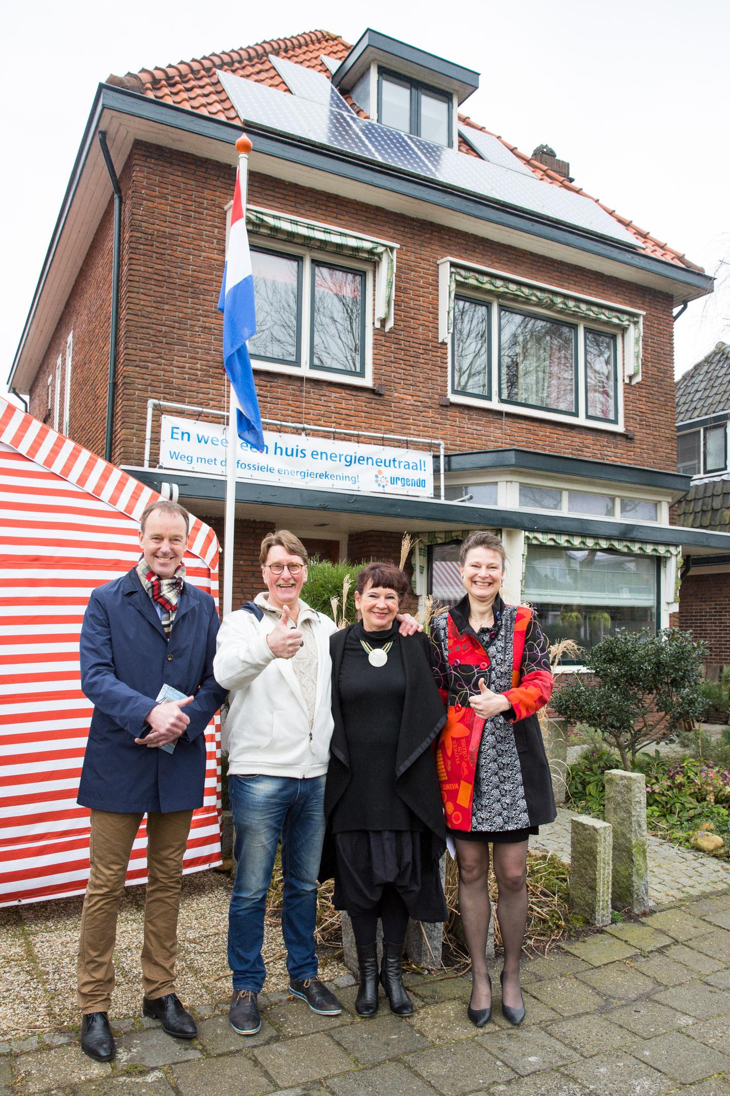 Weer-een-huis-energieneutraal-urgenda-thuisbaas-credit-Chantal-Bekker-GraphicAlert-zonnepanelen-dak