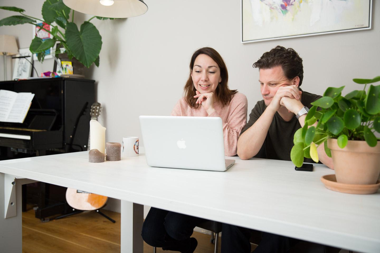 mensen-achter-laptop-4-credit-chantal-bekker-milieu-centraal